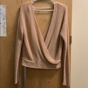 Light pink knit sweater v-neck !